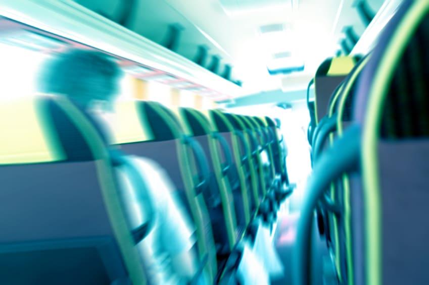 Interior bus, vista pasajero, efecto veloz