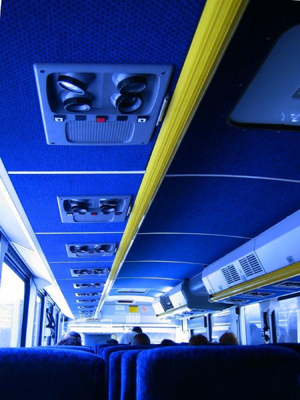 Interior bus, vista pasajero, arriba