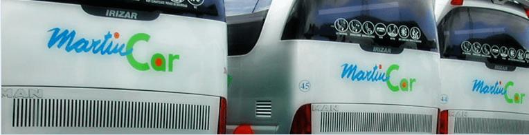Logo de la marca aplicado envarios buses
