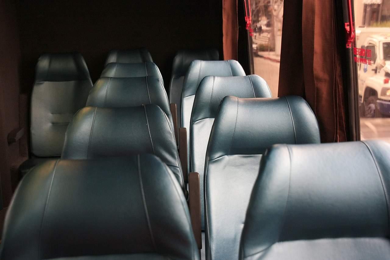 interior, bus, vacio, cuero negro