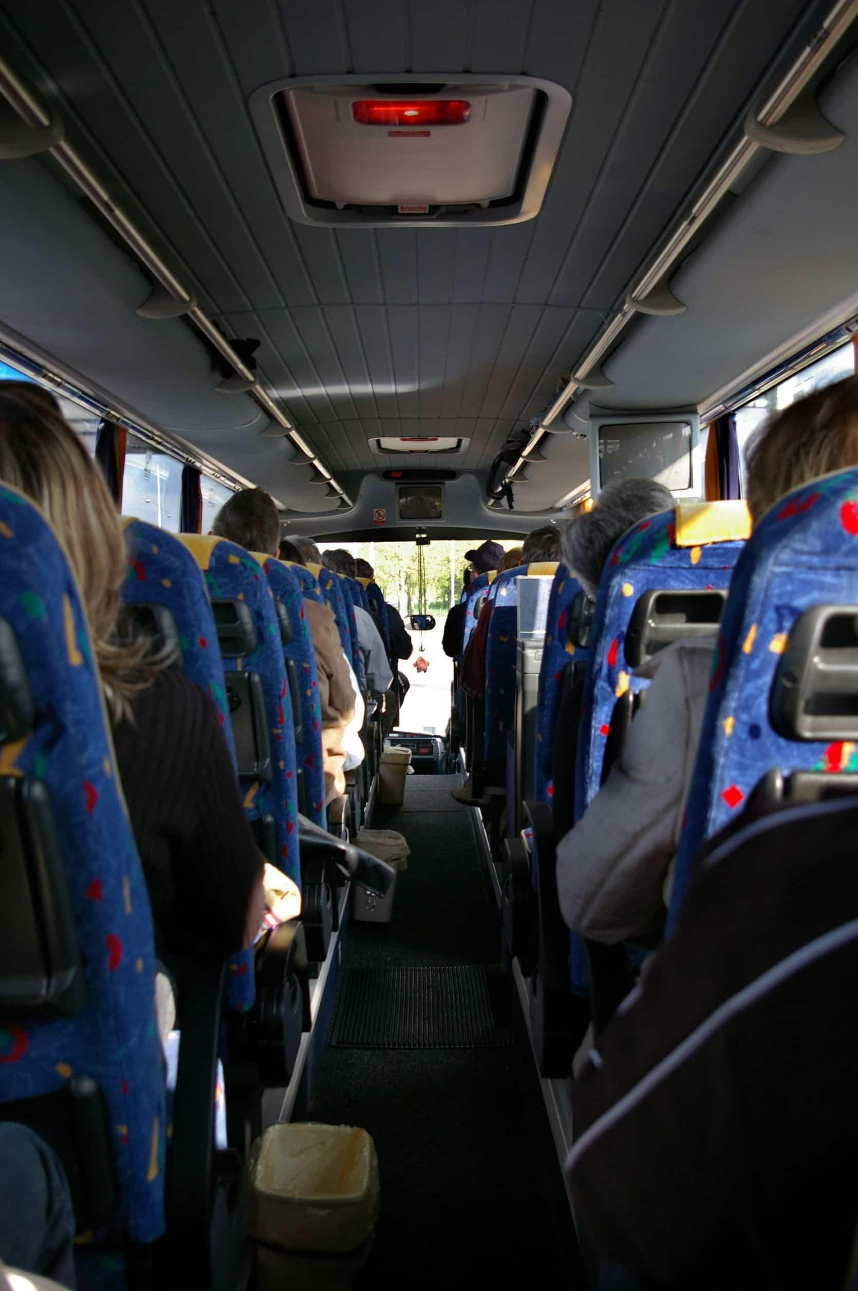 Vista interior, bus, pasajero